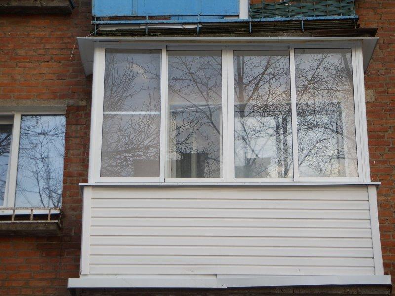 Холодное остекление балконов и лоджий алюминиевое остекление.